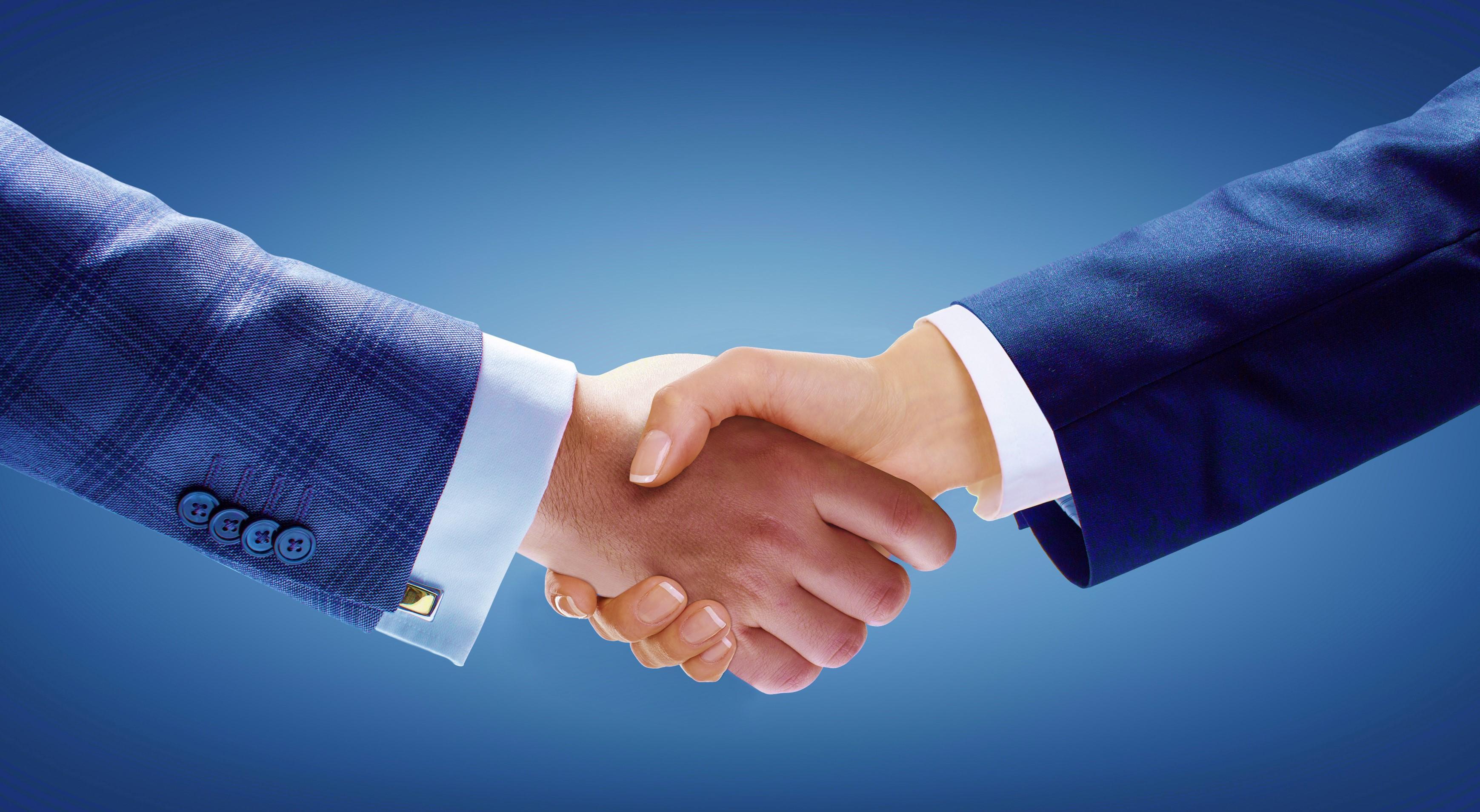 shake_hand_woman